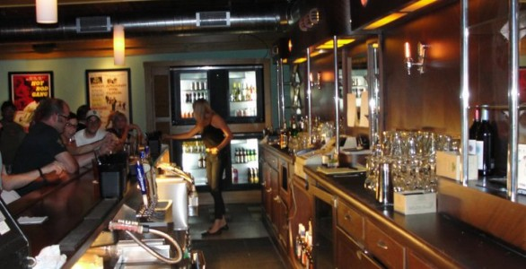 Superbe Tip Top Deluxe Bar And Grill